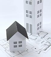 家の外観模型と図面